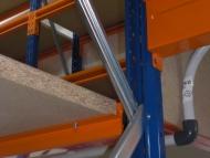 rayonnages-semi-lourd-avec-plateforme-3-d%c3%a9tail-tablette-bois-et-plancher